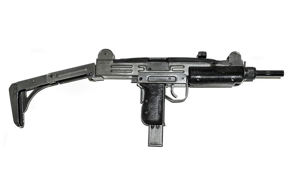 <b>UZI</b></br>kaliber 9 mm